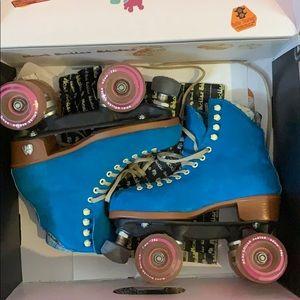 Moxi Roller Skates teal blue suede size six
